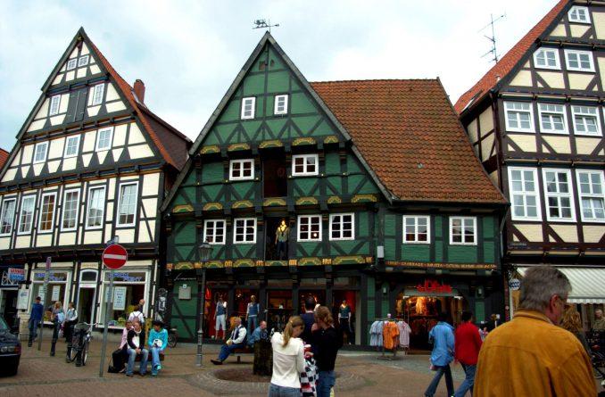 Den tyske byen Celle har bevart mye av de gamle bygningene, noe som gir byen et skikkelig særpreg. Foto: Pål Stagnes