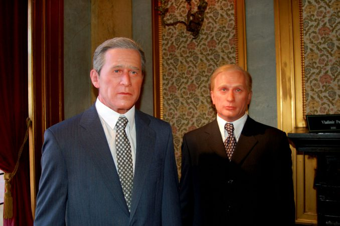 George W. Bush og Vladimir Putin på Louis Tussaud's Wax Museum. Foto: Pål Stagnes