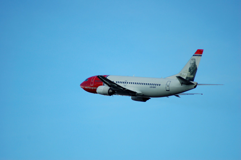 Norwegian plane departure from Oslo Airport. (LN-KKF - Fritjof Nansen). Photo: Pål Stagnes