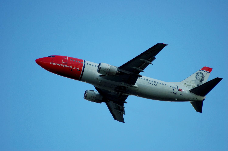 Norwegian plane departure from Oslo Airport. (LN-KKJ - Sonja Hennie). Photo: Pål Stagnes