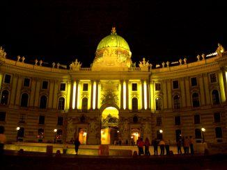 I sentrum av Wien på kvelden. Foto: Pål Stagnes