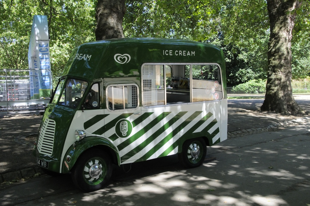 Ice truck in Hyde Park. Photo: Pål Stagnes