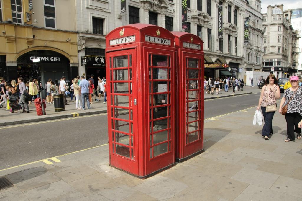 Klassisk telefonkiosk. Foto: Pål Stagnes
