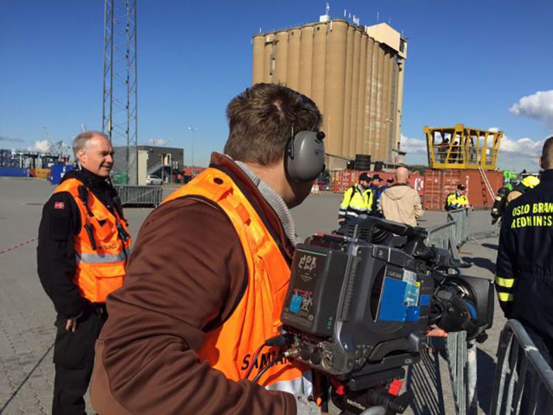 A Crew from NRRL Sambandstjenesten broadcasting live from the exercise. Photo: LB1JG Arnfinn